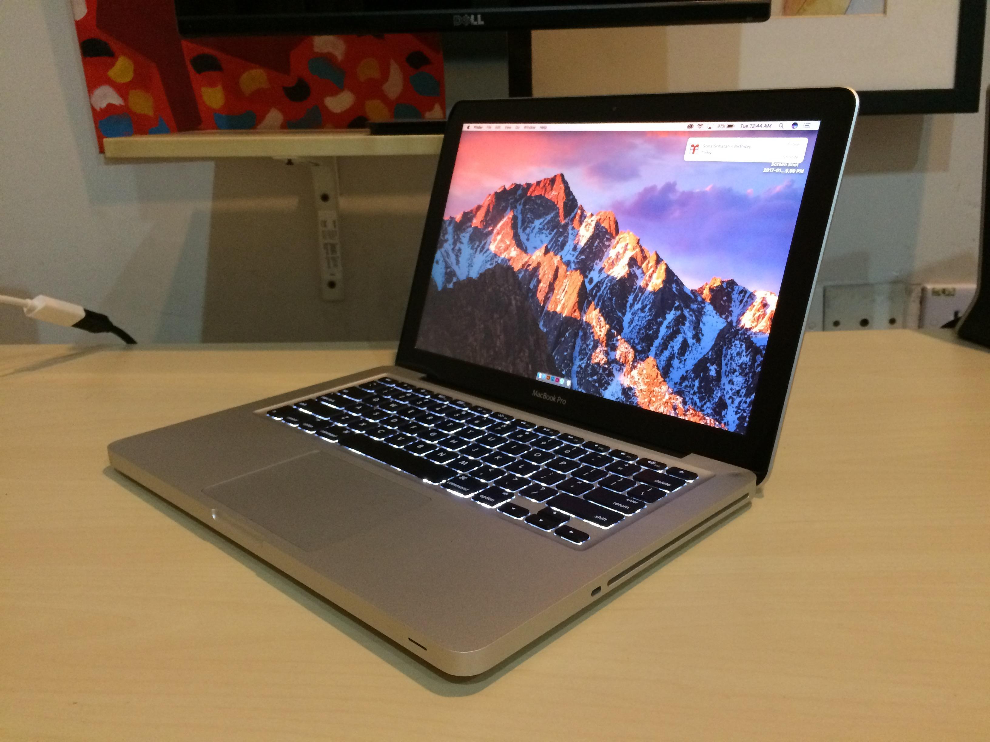 polovan macbook pro 201